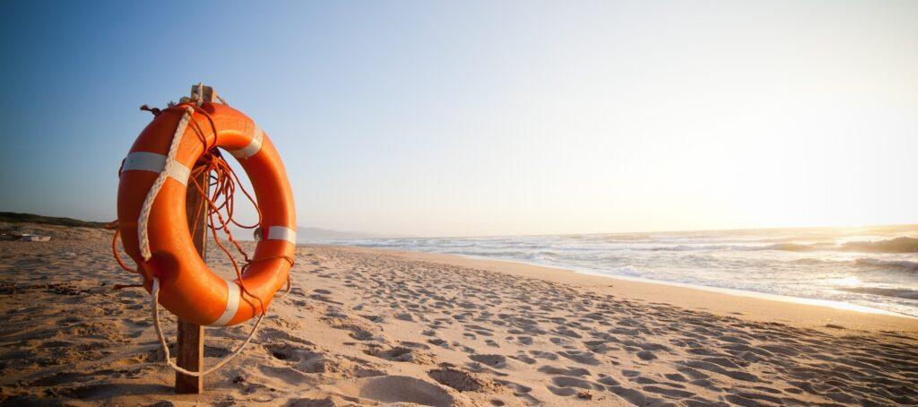 Salvagente sulla spiaggia libera