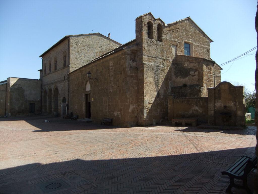 Ricordi etruschi e medievali a Sovana